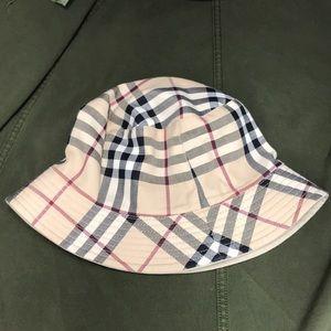 Authentic Burberry bucket hat for women